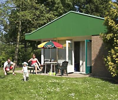 ferienhaus f r 4 personen mit 4 betten im kustpark klein poelland bei renesse f r urlaub und. Black Bedroom Furniture Sets. Home Design Ideas